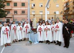 Cooperadores Heraldos junto a la Virgen Peregrina de Fátima