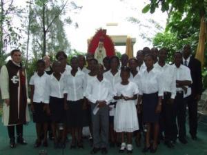 La imagen peregrina del Inmaculado Corazón de Mar�a visita Hait�